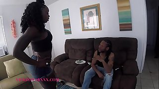 Vickie Starxxx Fucks for Weed